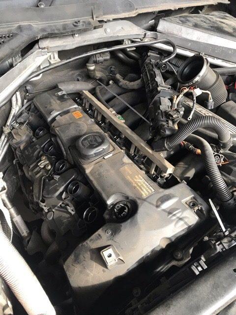 BMW X5 ヘッドカバーガスケット交換