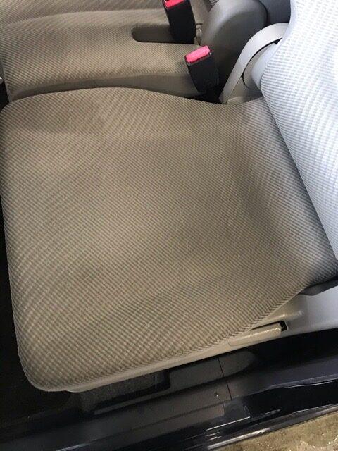 ワゴンR シートクリーニング