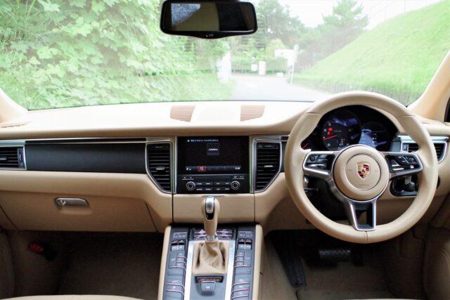 ポルシェ マカン マットブラック フルラッピング車 4WD